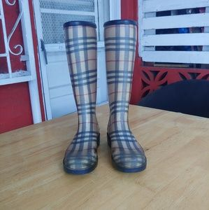 Burberry classic checked Rain Boots.
